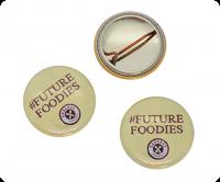 Button badge D-wire pin attachment
