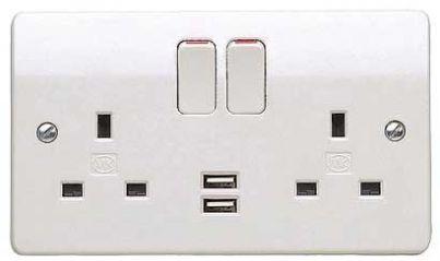 MK Logic Plus K2743WHI 2 Gang DP Socket c/w 2 x USB Charging Points