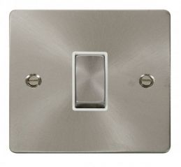 Scolmore Click Define FPBS425WH Ingot 10AX 1 Gang Intermediate Switch - White