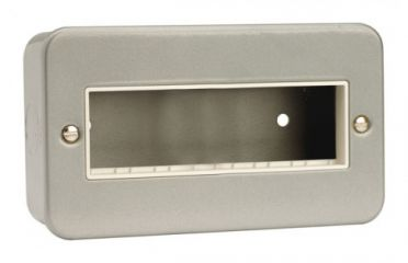 CL426 2 Gang Switch Plate - 6 In-Line Aperture