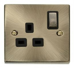 Scolmore Click Deco VPAB535BK 1 Gang 13A DP Ingot Switched Socket Outlet - Black