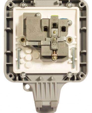 WP21 1 Gang 13A DP Switched Socket Weatherproof