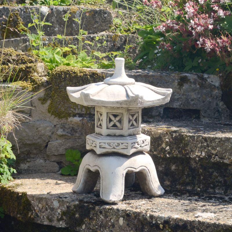 Pagoda Lantern Low
