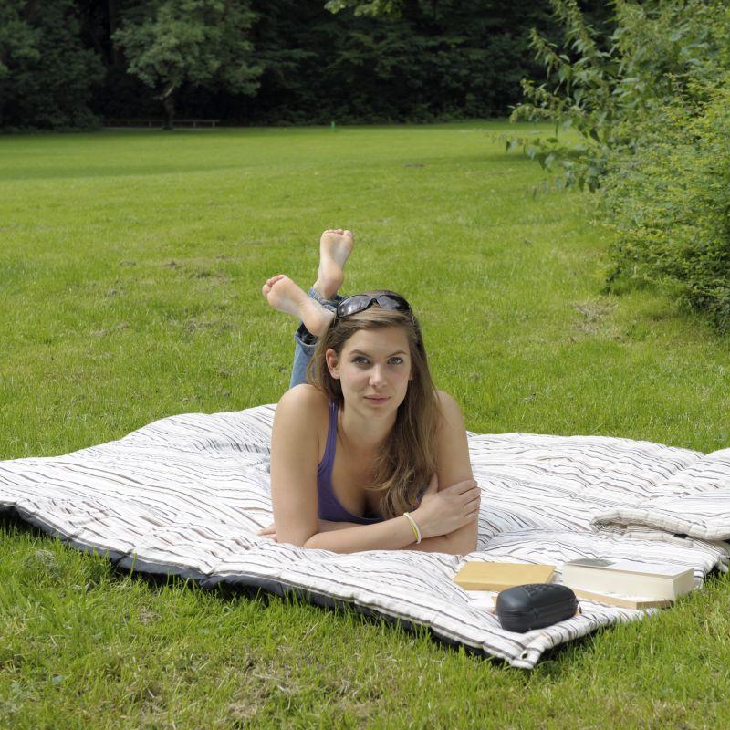 Molly Outdoor Blanket
