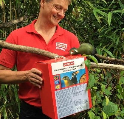 Beaphar sponsors exotic birds at Linton Zoo