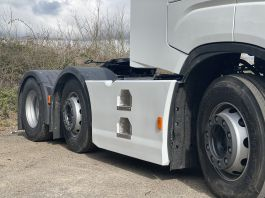 Iveco S-Way 6x2c, 4m Wheelbase Side Skirts