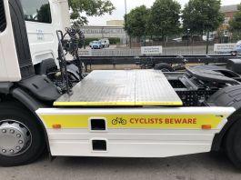 Renault D Range (Urban Tractor), 4x2 TreadSafe Safety Platform / Catwalk System, Highly visible full chassis catwalk