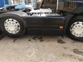 Renault T Range 6x2 Sideskirts 3.9m Wheelbase