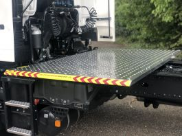 MAN TGS (Euro 6), 4x2, 3.6m Wheelbase, TreadSafe Platform / Catwalk System, Highly visible full chassis catwalk
