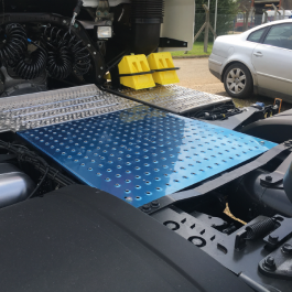 Actros 4 (6x2) Main Chassis Catwalk In-Fill Panel (965mm Length)