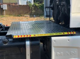 MAN TGS (Euro 6), 4x2 TreadSafe Platform / Catwalk System, Highly visible full chassis catwalk
