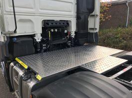 DAF XF Euro 6, 6x2 Kuda Safety Platform / Catwalk System, Highly visible full chassis catwalk