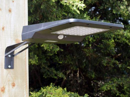 Pro Solar HIWAY – High Output PIR Motion Sensor Solar Light