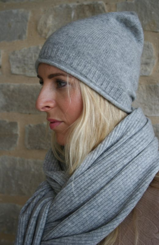 Grey roll edge rib detail beanie