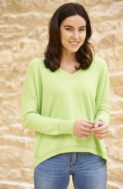 Lime cashmere boyfriend V neck sweater