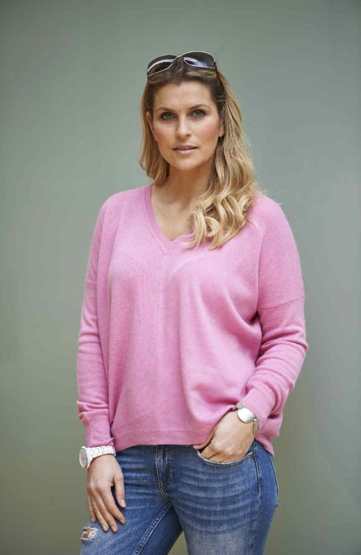 Pink cashmere boyfriend V neck sweater