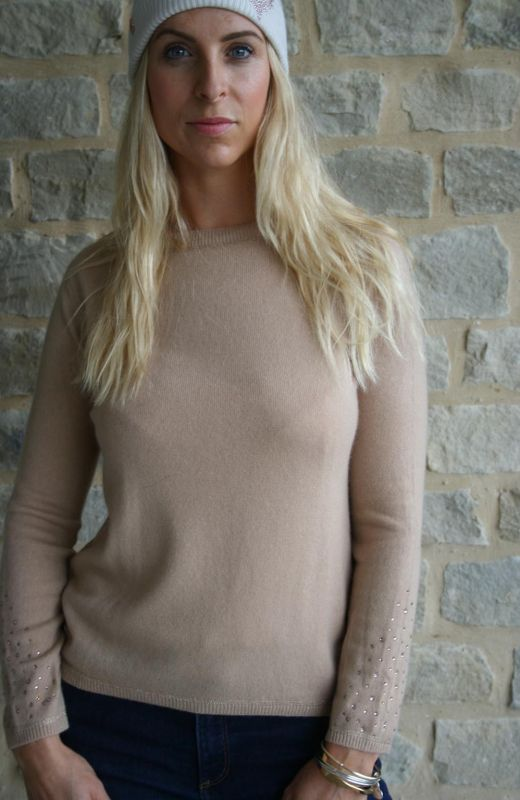 100% Cashmere boxy Crew with lurex thread stitching detail and diamante sleeve detail in camel.