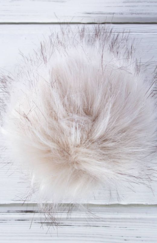 Extra Pompom? Luxury natural 12cm faux fur pompom