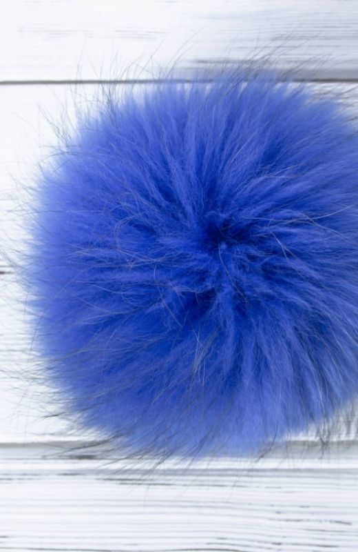 Extra Pompom? - Luxury blue 15cm fur pompom