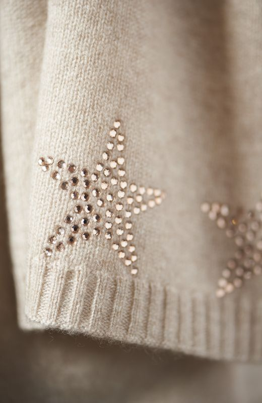 100% sustainable cashmere scarf embellished with diamanté stars