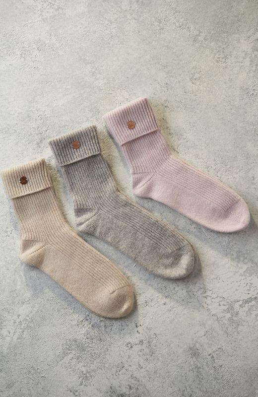 100% sustainable cashmere cosy bed socks